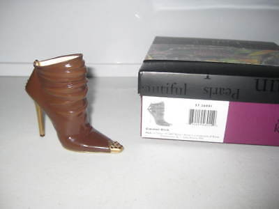 Just the Right Shoe by Raine Carmel Kick 57.26041 Complete COA Department 56