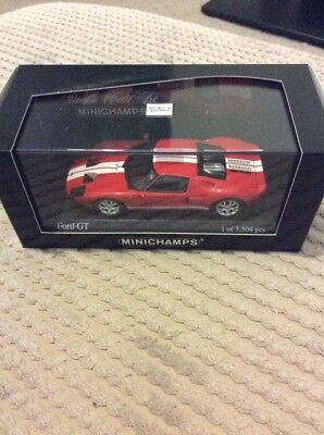 Minichamps Ford GT Red / White 1/43rd