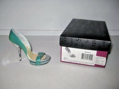 Just the Right Shoe by Raine Stud 802822 Complete COA Department 56