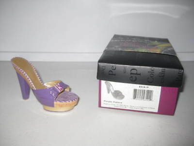 Just the Right Shoe by Raine Purple Palace 802819 Complete COA Department 56