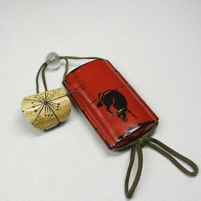 B056: Japanese old lacquer ware SAMURAI pillbox INRO with MAKIE and NETSUKE. 1
