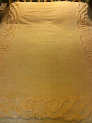 Preowned/Vtg  FULL 88 X 100 Yellow Chenille Scrolled Design w/Scalloped Edging