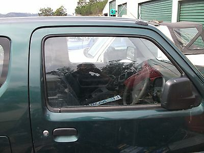 Suzuki Jimny Sn413 T6 Parts - Front Door Glass
