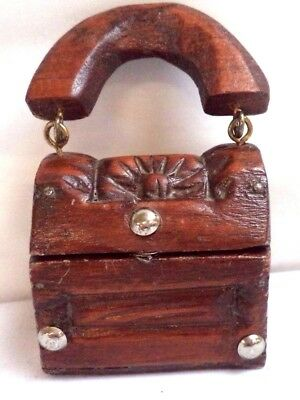 Fantastic Antique Hand Carved Wooden Small Trinket Box W/handle!!! B116
