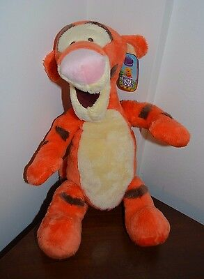 Disney Store Exclusive Winnie The Pooh - Tigger Plush New with Tag