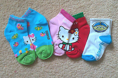 4 Pairs Hello Kitty, Snoopy & Toy Story socks > toddlers Ages 1-3 > Below Cost!