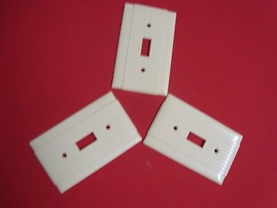Vtg 3 P&s Uniline Ribbed Bakelite Single Toggle Switch Plate Covers Ivory