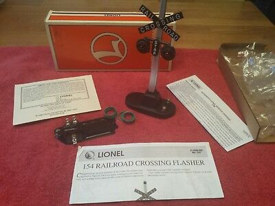LIONEL 154 RAILROAD CROSSING SIGNAL FLASHER o gauge train illuminated 6-12888