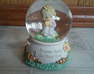 ENESCO PRECIOUS MOMENTS Musical SNOW GLOBE DREAMS REALLY DO COME TRUE