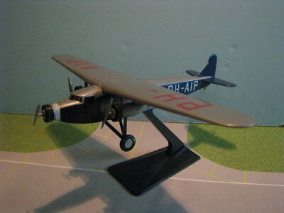 "Flight Minature Klm Fokker Xviii ""pelikaan"" 1:100 Scale Plastic Snapfit Model"