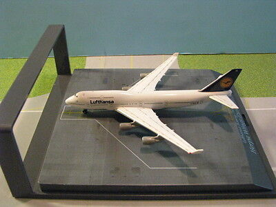 """Herpa Wings Lufthansa """"berlin"""" 747-400 With Display Case 1:500 Scale Diecast"""