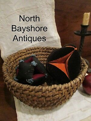 Antique 1800s PA Woven Rye Basket and Amish Sewing Pin Cushion Puzzle Balls aafa