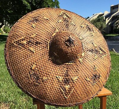 VinTagE ASIAN CHINESE HAND WOVEN STRAW BAMBOO COOLIE HAT / NICE