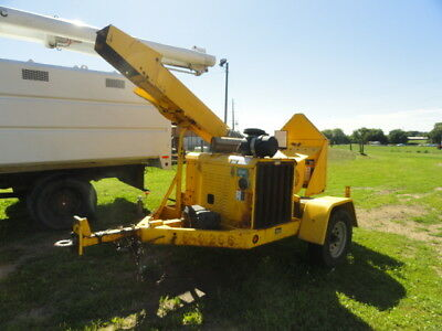 2005 woodchuck WC12A Perkins diesel drum chipper runs and operates