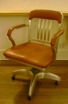 Vintage Metal Naugahyde Swivel Office Chair Mid Century 60u0027s