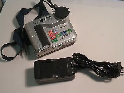 Vintage Sony Mavica MVC-FD75 with Battery & Charger *Perfect Working Condition*