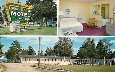 Mackinaw City Michigan~Suite in Town House Motel~1950s Postcard