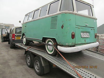Vintage Classic Car recovery transport delivery  Surrey/Hants/London all UK