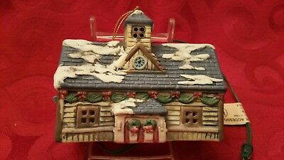 Lionel Trains Christmas Lighted Ornament Lionel Train Station 37-600 1st Ed