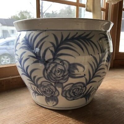 Vintage Large  hand painted CHINESE PORCELAIN PLANTER Jardiniere BEAUTIFUL!