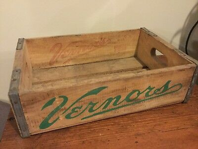 Antique Vintage VERNOR'S Vernors Detroit Mich Ginger Ale Wooden Soda Crate 1964