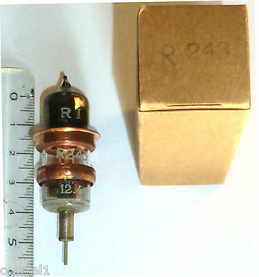Triode planaire SHF R243