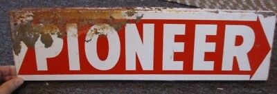 """Vintage PIONEER HYBRIDS Double-Sided """"Flanged"""" FIELD SIGN"""