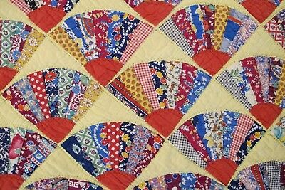 STRIKING Vintage 30's (?) Hand Sewn Feed Sack Cotton GRANDMOTHER'S FAN QUILT