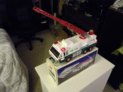 1996 Hess Emergency Truck Christmas Collectors Toy