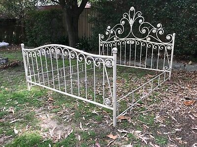Superb Antique Style French Queen Size Bed~Wrought Iron~Flowers~Ornate