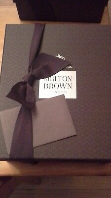 Molton Brown Rosa Absolute body wash in gift box