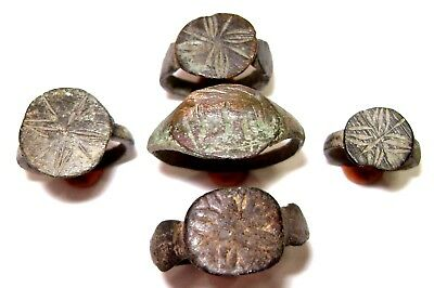 Ancient lot of 5 ROMAN bronze CAST Rings
