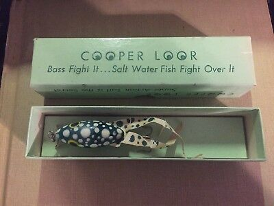 Cooper Loor, vtg in box Green spotted frog