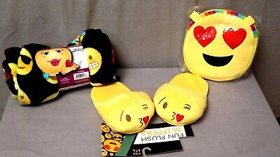 EMOJI HEARTS Blanket,  Purse & Slippers Size: M (5-6) lot-of-3-Brand New w/Tags