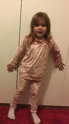 Girls pink crushed velvet lounge suit