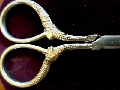 ANTIQUE VICTORIAN  FANCY HANDLE SEWING / Embroidery SCISSORS