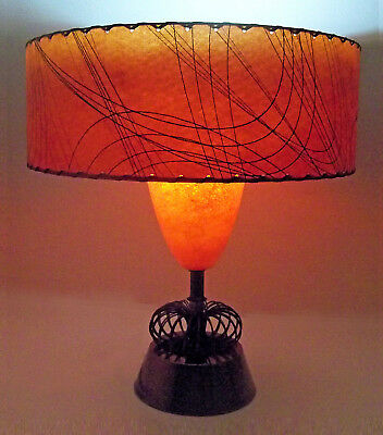 RARE VTG FUNKY MID CENTURY ATOMIC SPACE AGE TABLE LAMP RED FIBERGLASS SHADE 50's