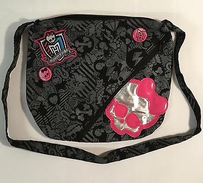 Monster High Doll Shoulder Bag With Badges