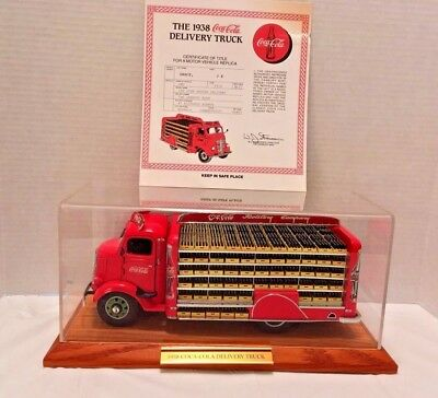 Danbury Mint 1938 Coca Cola Delivery Truck With Display Case & Title