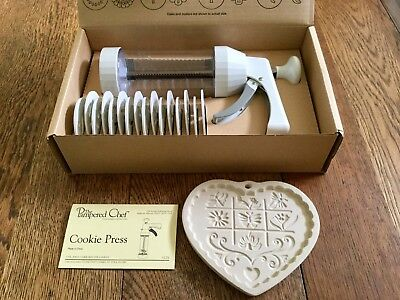Pampered Chef Cookie Press 16 discs plus Vintage Gardens of the Heart Mold 1996!