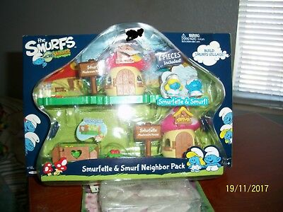 2013 Smurf Micro Village Smurfette & Smurf 7 Piece Neighbor Pack-NIP