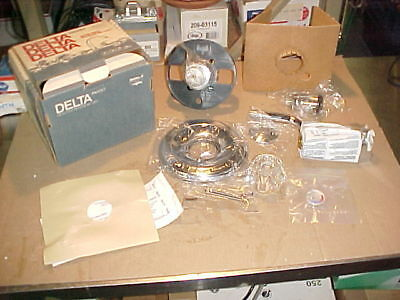 1) *NEW* Delta Classic 1348 Tub and Shower Faucet Trim with Knob Handles *Cheap*