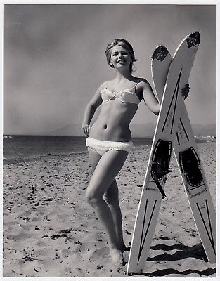 Mode BIKINI GIRL WATERSKI / WASSERSKI MEER Fashion * Vintage 50s SEUFERT Photo