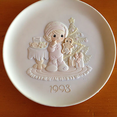 "Precious Moments ""Wishing You The Sweetest Christmas"" Collector Plate with COA"
