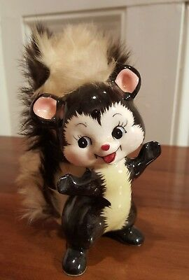 Vintage Napco Stinky The Skunk Ceramic Figurine 1952