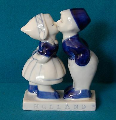 Vintage Hand Painted Delft Blue Dutch Kissing Boy & Girl 5""