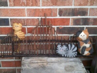 Vintage Cat Primitive Wall Hanging Fence Calico Tabby Country Decor