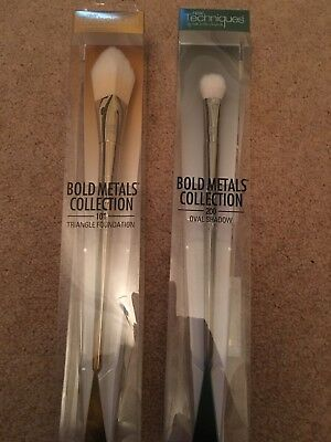 Real Techniques Bold Metals Collection Foundation And Eyeshadow Brush