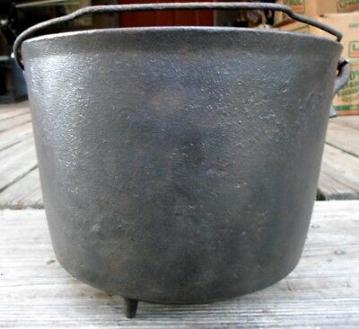 "Nice Antique Cast Iron Three Leg Bean Pot Kettle 9 1/4"" With Gate Mark"