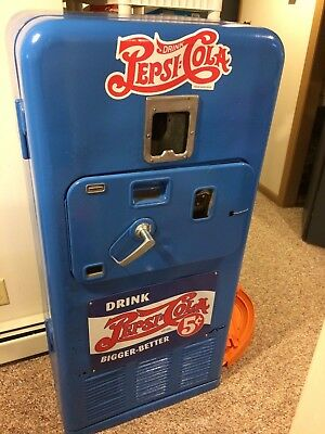 1950s Soda machine Pepsi Coca cola Coke  Vendolater  VMC 33 3d